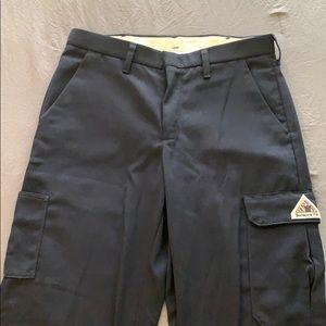 Bulwark Men's Cargo FR work pants size 33W x 32L